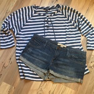Cute forever 21 factory destroyed jean shorts!